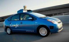 在无人驾驶时代到来之前,汽车要如何实现智能化?
